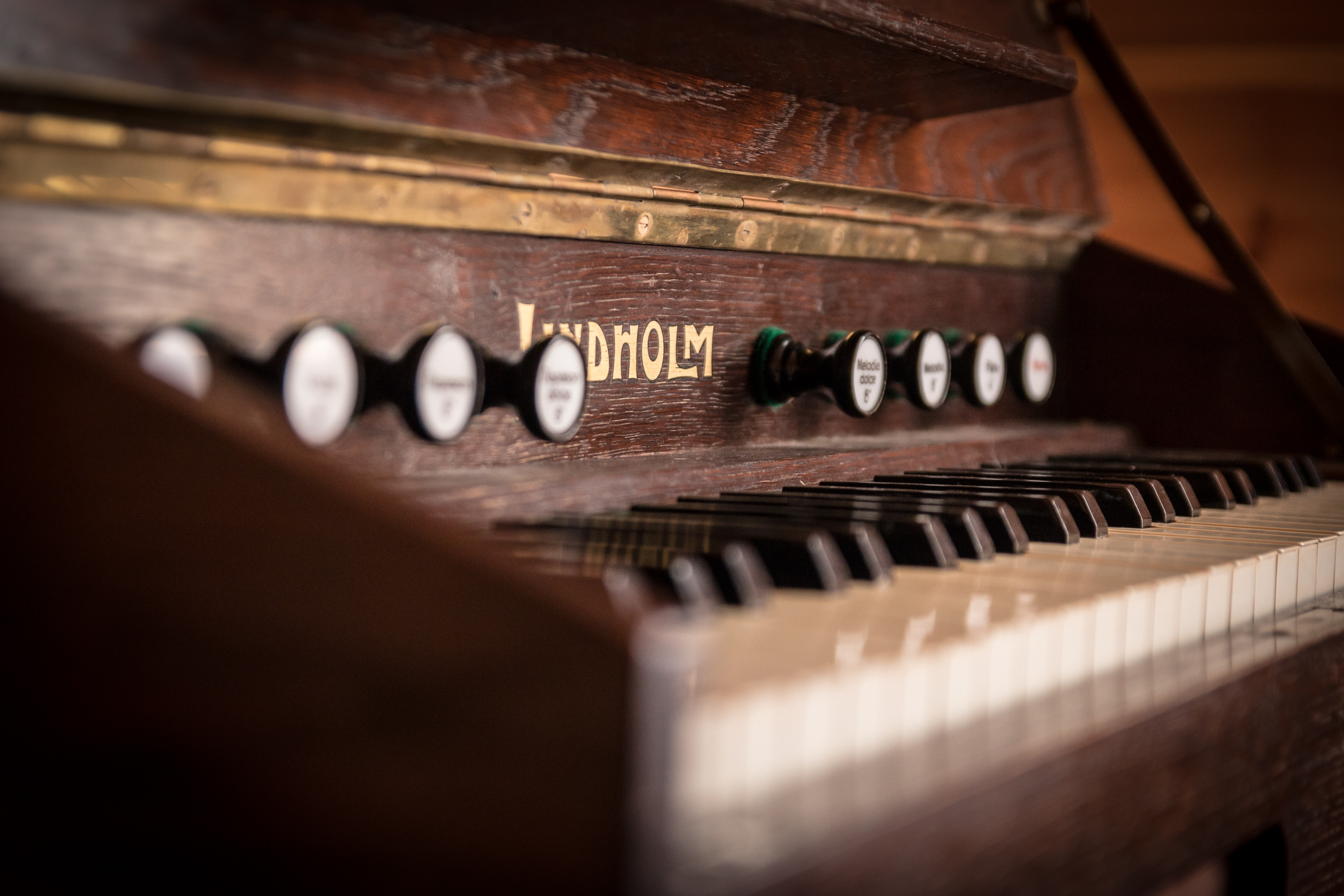 music-keyboard-technology-antique-old-piano-939279-pxhere.com